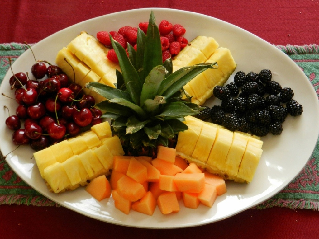 Ananas silva avanzi rigobello - Piatti di frutta decorati ...